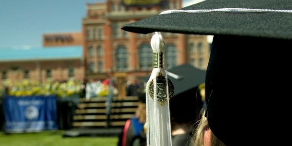 Graduate's cap and tassel