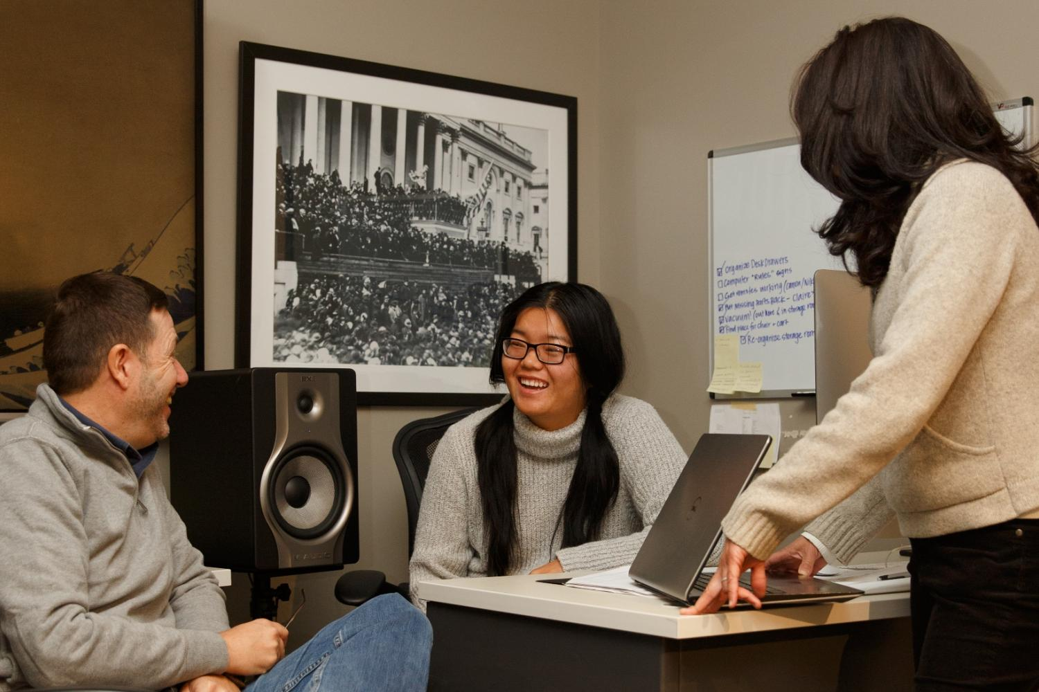 Photo of Communication professor Stephen Hartnet and students.