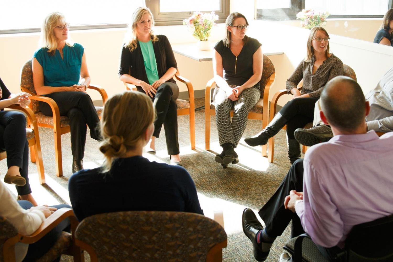 Photo of Psychology Department seminar.