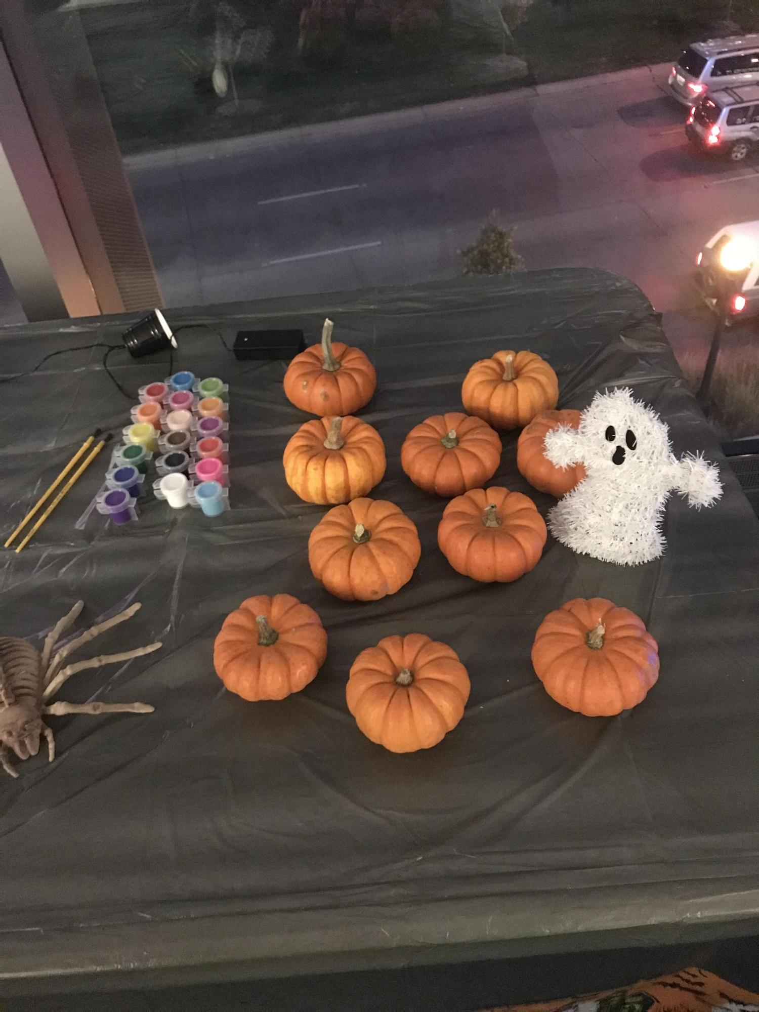 picture of the pumpkin painting table