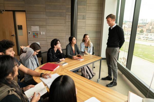 Professor Dale Stahl teaching a class.