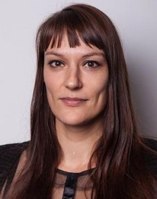 Dr. Charissa de Bekker