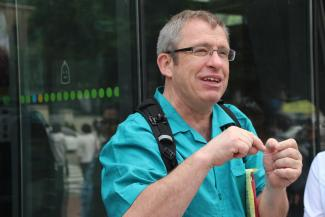 Tony Robinson lectures in Korea during a recent study abroad trip.